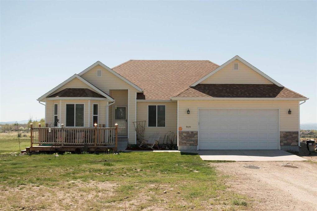 919 Willington Dr, Spring Creek, NV 89815