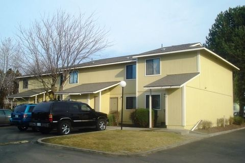 Photo of 420 S Hill Rd, WA 98944