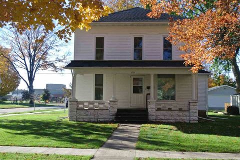 732 Oak St, Osage, IA 50461