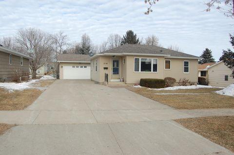 216 Lakehill Dr, Worthington, MN 56187