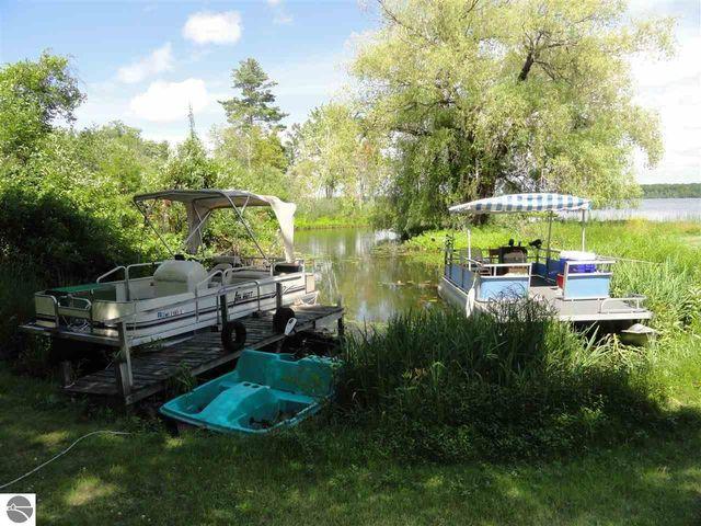 6533 s betsie river rd interlochen mi 49643 home for sale and real estate listing