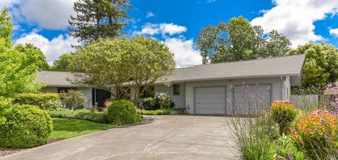 Photo of 270 Oak Tree Ct, Santa Rosa, CA 95401