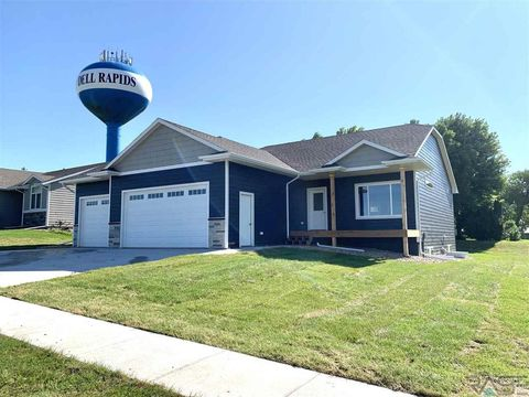 Photo of 1400 Bitterroot Rd, Dell Rapids, SD 57022