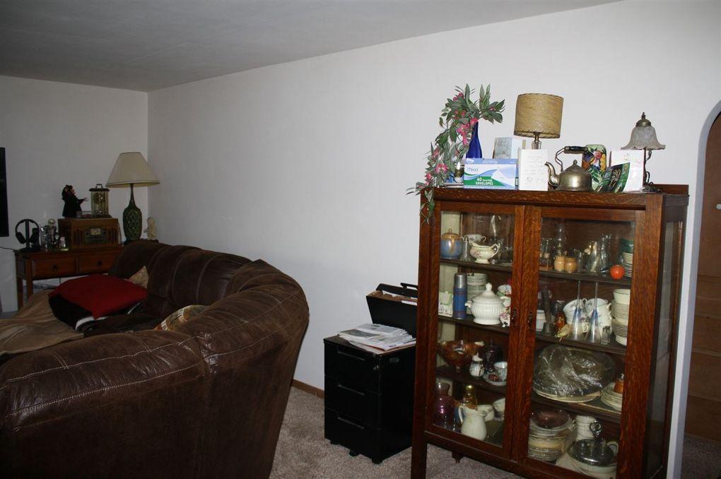 806 Grove St, Beaver Dam, WI 53916 - realtor.com®