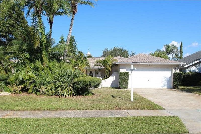 8875 Hershey Ln, Seminole, FL 33777