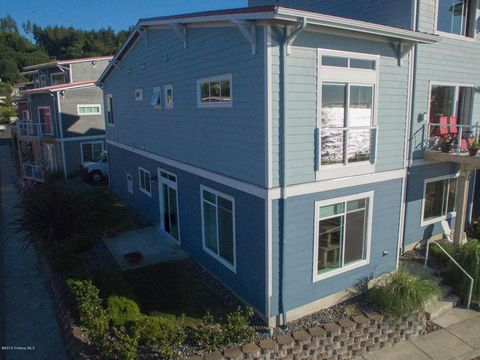 2960 Expedition Ln, Astoria, OR 97103