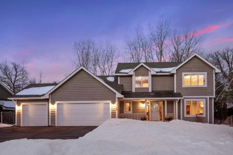 Photo of 3766 Windtree Dr, Eagan, MN 55123