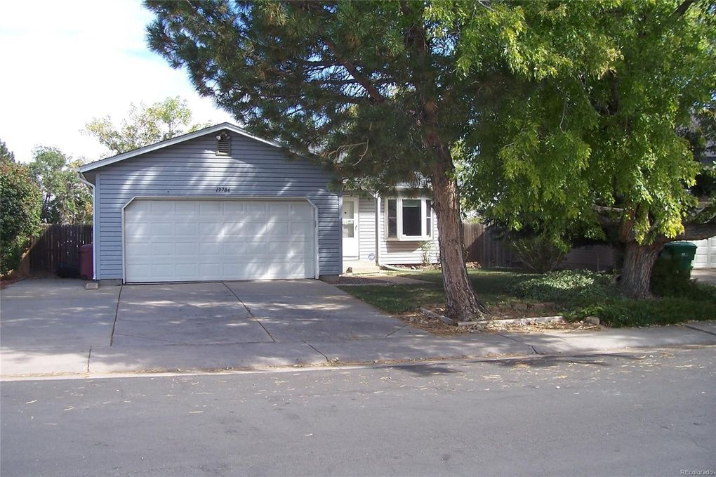19786 E Oxford Dr, Aurora, CO 80013