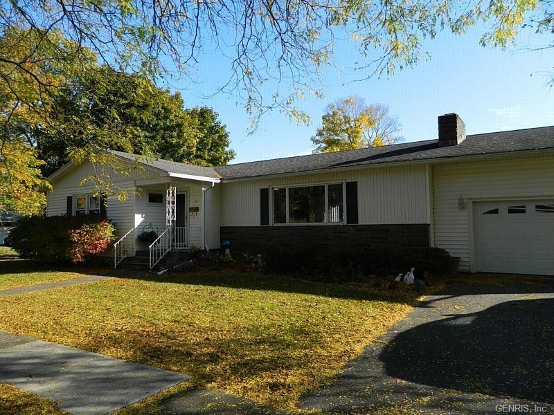 11 rosewood dr penn yan ny 14527 for Rosewood ranch cost