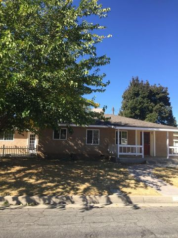 907 Acacia Ct, Tehachapi, CA 93561