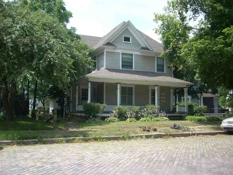 835 Ashland Ave, South Bend, IN 46616