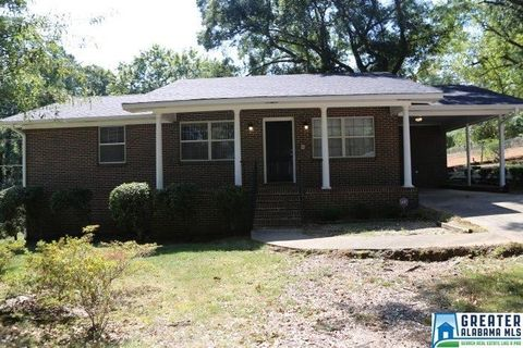 700 Twin Ridge Dr, Bessemer, AL 35020