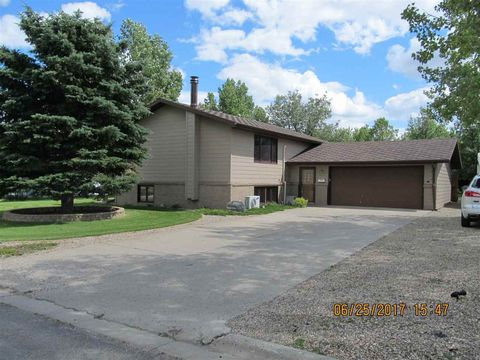 407 Nw 5th St, Mohall, ND 58761