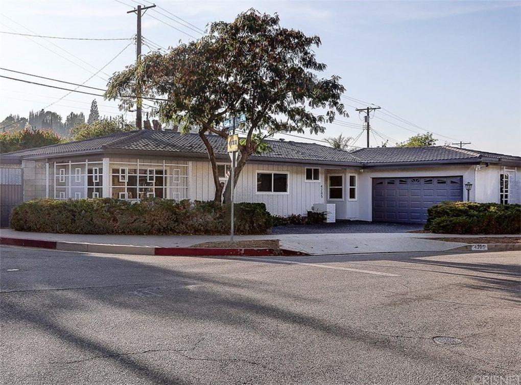 4205 Canoga Dr Woodland Hills, CA 91364