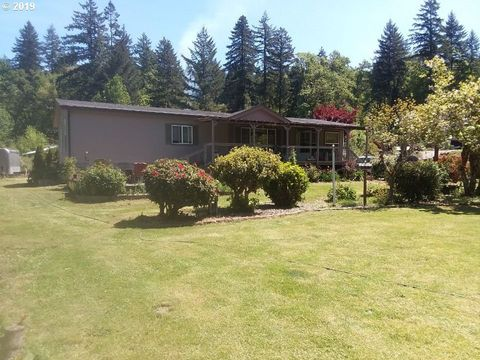 Photo of 200 Settlers Ct, Elkton, OR 97436
