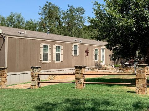 Photo of 814 N Hightower Rd, Mason, TX 76856