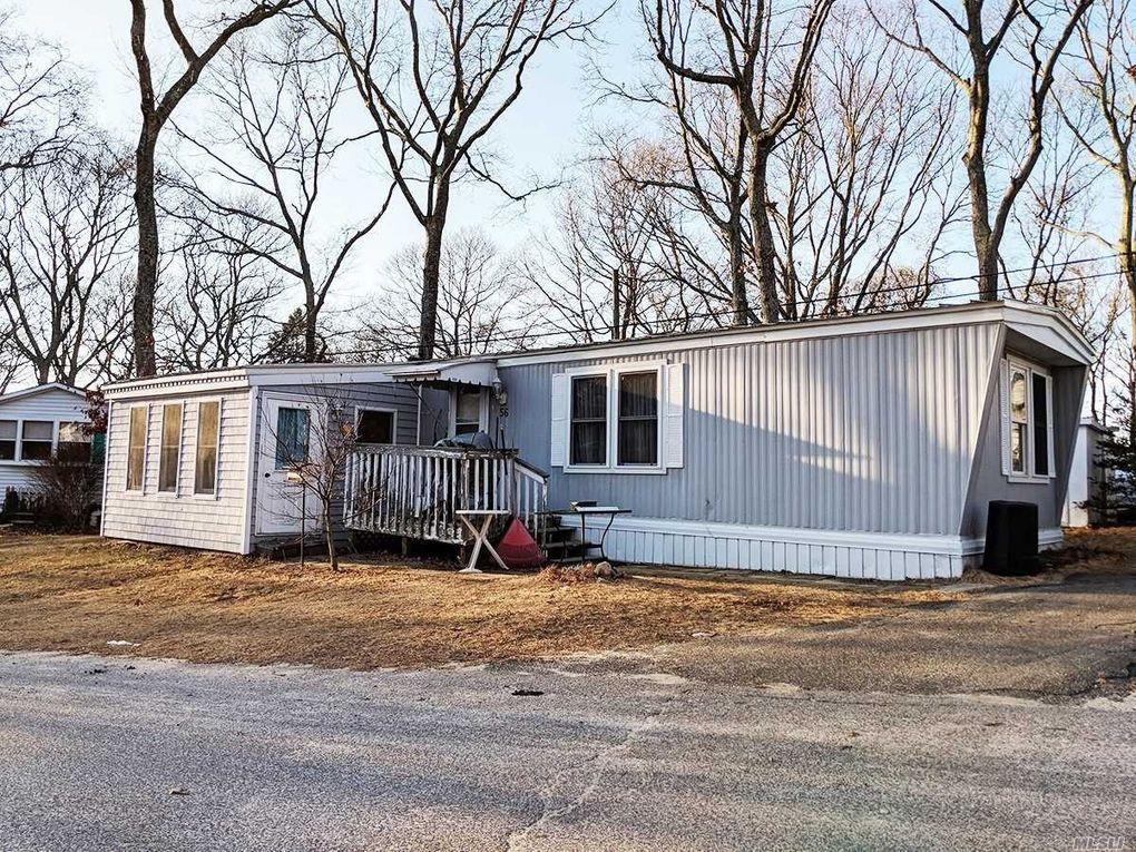 56 Oak Ln, Hampton Bays, NY 11946 - realtor.com®