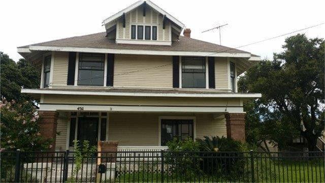 4511 Avenue K, Galveston, TX 77551