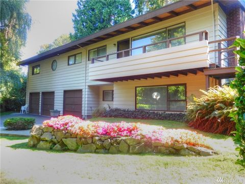 Photo of 10023 Ne 31st Pl, Bellevue, WA 98004