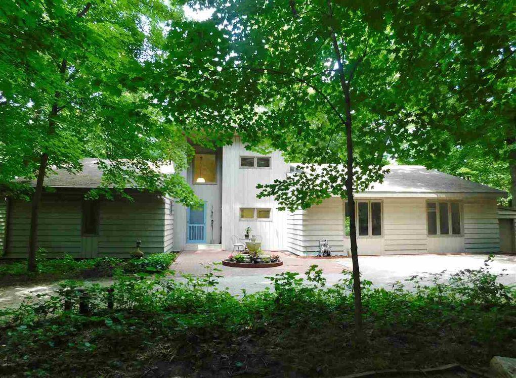 22225 Grosenbach Rd, Washington, IL 61571
