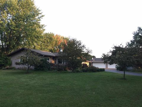 464 Fawn Ct, Oxford, WI 53952
