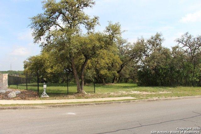 8891 Gothic Dr Universal City, TX 78148