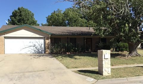 Photo of 2505 Rebecca Dr, Big Spring, TX 79720