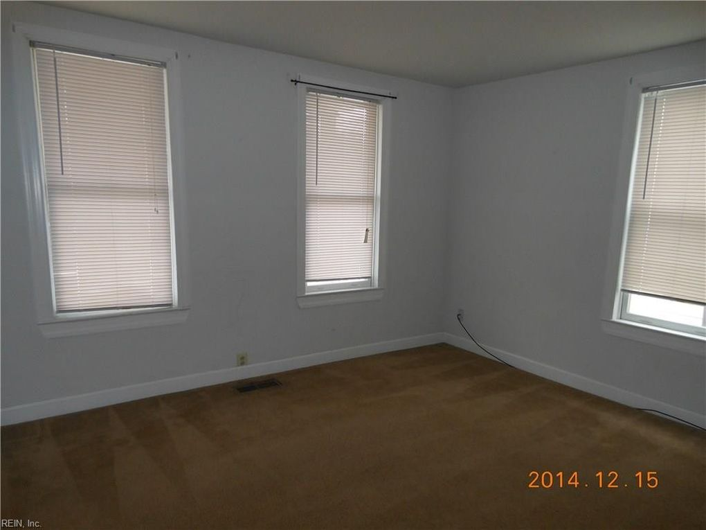 1220 Stewart St, Chesapeake, VA 23324
