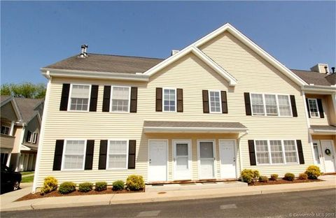 659 West Ave Apt 8, Milford, CT 06461