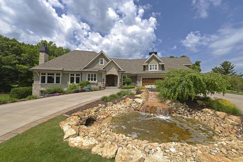 Photo of 2885 Trappers Trl, Medina, MN 55356