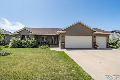 Photo of 3141 S Newcastle Ct, Sioux Falls, SD 57110