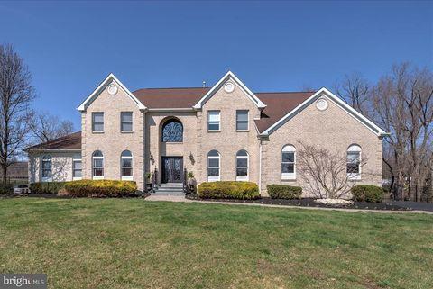Photo of 8 Pharo Ln, Millstone Township, NJ 08510