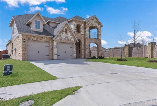 11825 Dixon Dr, Fort Worth, TX 76108