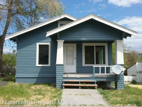 Photo of 1203 E 10th St, The Dalles, OR 97058