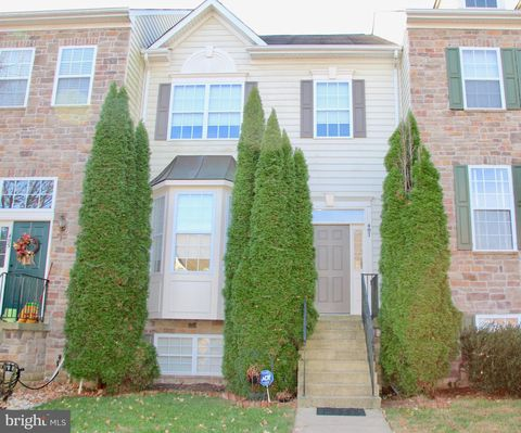 Photo of 407 Yorkshire Ridge Ct, Purcellville, VA 20132