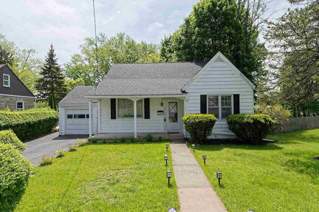 306 Rosa Rd, Schenectady, NY 12308