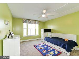 114 Green Briar Ct Cinnaminson NJ 08077