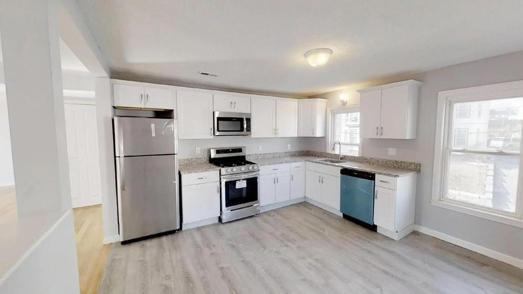 30 River St Unit 30 Hudson, MA 01749