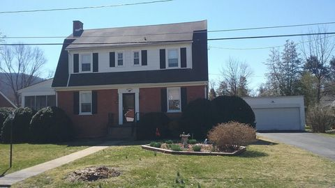 Photo of 109 Waller Ave, Covington, VA 24426