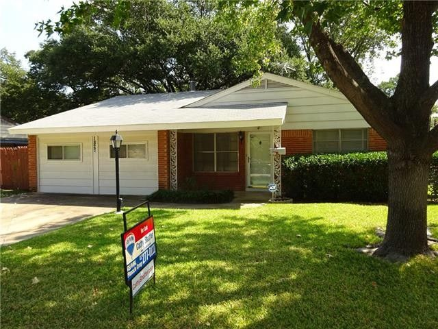 1827 Brookview Dr Arlington, TX 76010