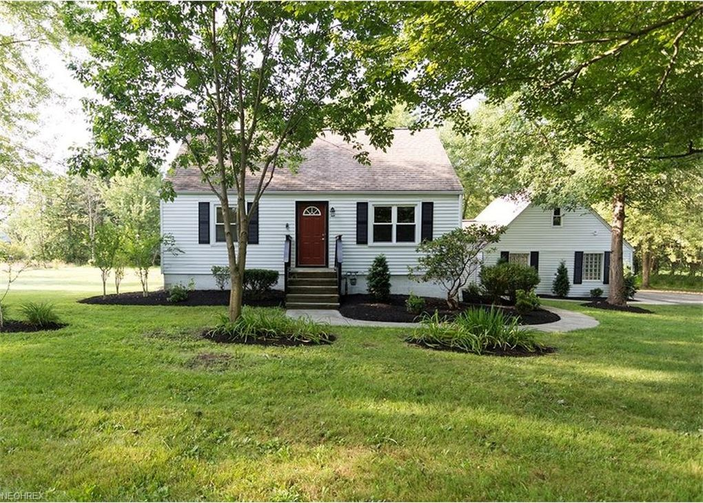 1156 Bell Rd Chagrin Falls Oh 44022