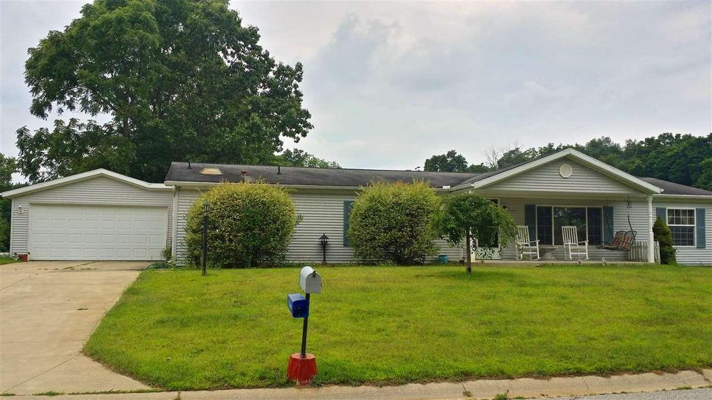 15285 Mary Wade Dr, Bristol, IN 46507