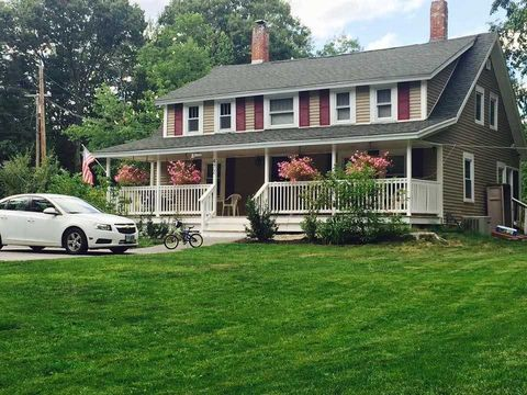 472 Pattee Hill Rd, Goffstown, NH 03045