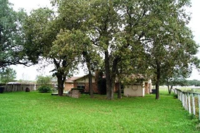 9983 state highway 111 e yoakum tx 77995 home for sale