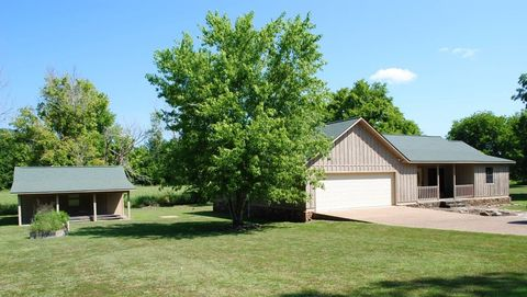 Photo of 526 Hayden Heights Rd, Mountain View, AR 72560