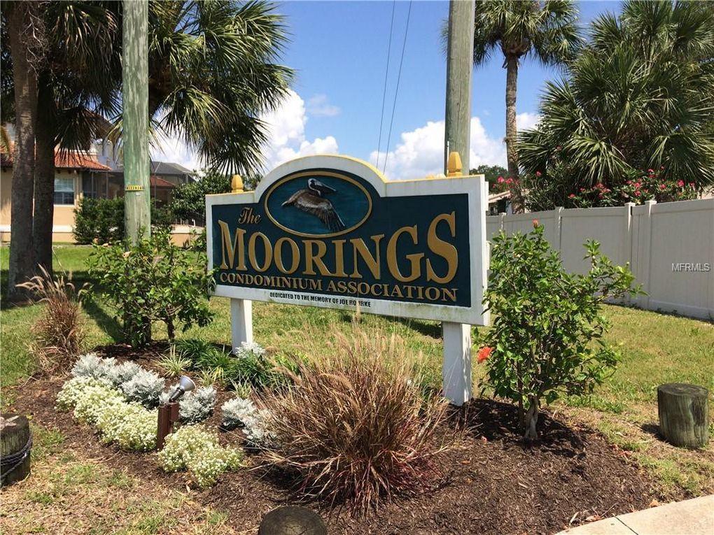 348 Moorings Cove Dr Tarpon Springs, FL 34689