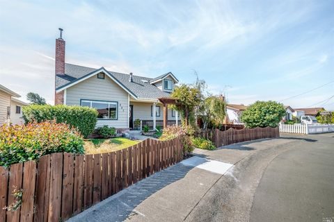 Photo of 401 Wall St, Fort Bragg, CA 95437