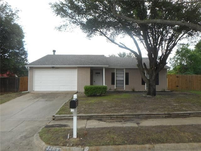 3209 Chalmette Ct, Forest Hill, TX 76140