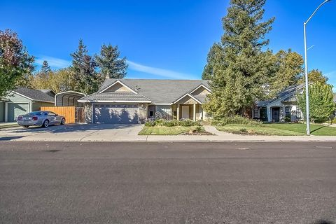 Photo of 14909 E Juniper Ave, Lockeford, CA 95237