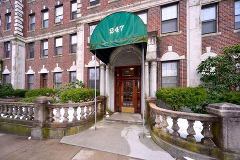 Photo of 247 Chestnut Hill Ave Apt 21, Boston, MA 02135